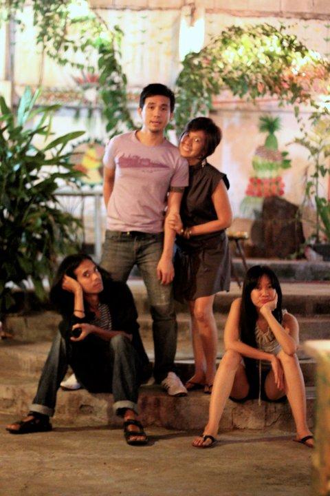 Audee Villaraza with his Mom and siblings